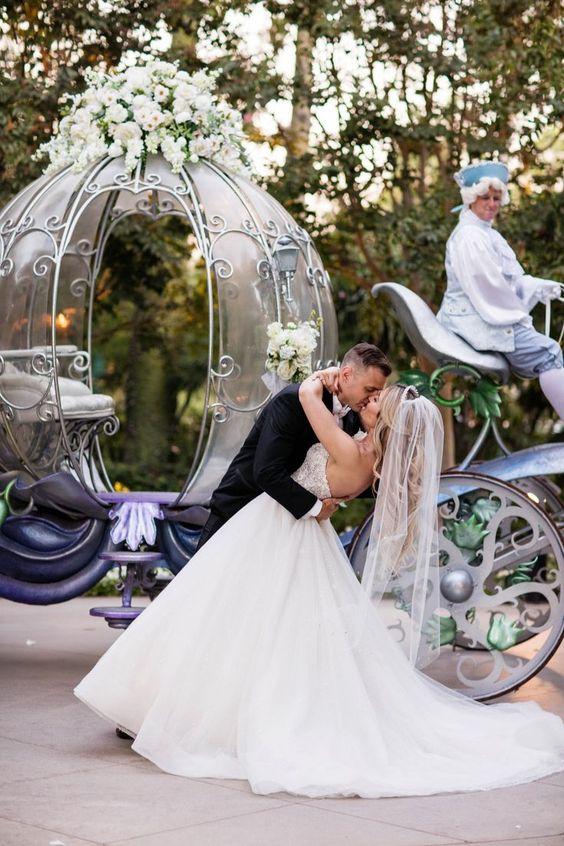 Mesebeli esküvő